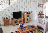 Large, well-presented townhouse with self-contained apartment in very good location (4)