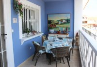 Large, well-presented townhouse with self-contained apartment in very good location (8)
