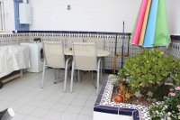 Large, well-presented townhouse with self-contained apartment in very good location (23)
