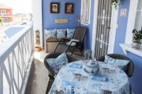 Large, well-presented townhouse with self-contained apartment in very good location (9)