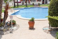 Large, well-presented townhouse with self-contained apartment in very good location (30)