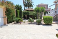 Beautiful, South facing villa with private pool and garage within easy walking distance of facilities (30)