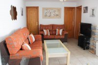 Apartment with ample parking and solarium with commercial unit included in popular residential area (2)
