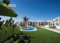 2 bed garden apartments with communal pool and Spa and beach club on the seafront of Mar Menor (1)