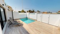 Luxury villas with private pools and lovely views in central location (17)
