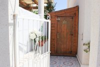 Well-presented, refurbished villa with community pool and lots of extras (18)