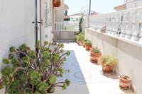 Well-presented, refurbished villa with community pool and lots of extras (19)