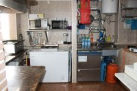 Well presented, cafe/restaurant with separate bar in busy commercial area (6)