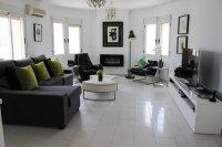 Impressive villa with private pool in quiet residential area (7)