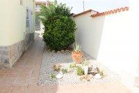 Impressive villa with private pool in quiet residential area (29)