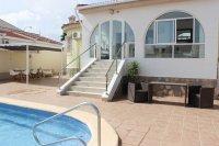 Impressive villa with private pool in quiet residential area (26)