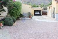Spacious finca on large plot with private pool in Spanish village (26)