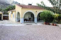 Spacious finca on large plot with private pool in Spanish village (25)