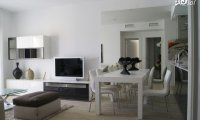 2 bed/2 bath high quality apartments with communal pool. (4)