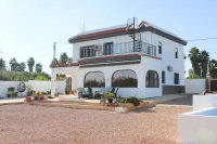 Stylish detached villa, infinity pool, 4,700 m2 plot, easy walking distance to amenities (0)