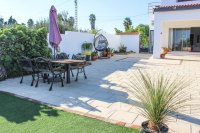 Stylish detached villa, infinity pool, 4,700 m2 plot, easy walking distance to amenities (23)