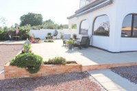 Stylish detached villa, infinity pool, 4,700 m2 plot, easy walking distance to amenities (31)