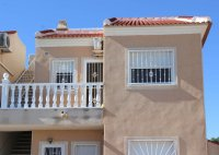Well-presented, first floor apartment with solarium and community pool in Doña Pepa (23)
