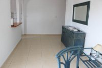 Attractive Penthouse Apartment, private solarium within easy walking distance to amenities (5)