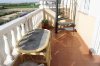 Top floor apartment with fantastic views within easy walking distance to amenities (6)