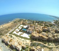 2 minutes from the beach! 3 bed/2 bath apartments with 2 communal swimming pools. (16)