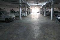 Well-presented semi + garage, communal pool, easy walking distance to amenities (19)