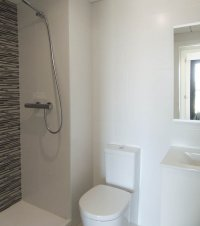Beautiful brand new apartments only a 10 minute walk to the beach (7)