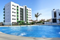 Beautiful brand new apartments only a 10 minute walk to the beach (14)