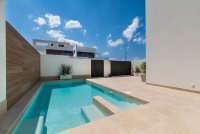 Spacious villas with underbuild and option of private pool (1)