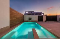 Spacious villas with underbuild and option of private pool (15)