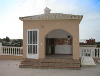 Spacious villa with private pool, large plot with off road parking & panoramic views (21)