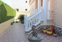 Sunny, well-presented, spacious villa with private pool & ample off-road parking (18)