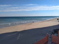 Perfect, modern holiday apartment with parking, overlooking blue flag beach (15)