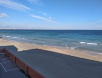 Perfect, modern holiday apartment with parking, overlooking blue flag beach (16)