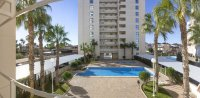 Stunning apartment, 150 metres from beach, easy walking distance to amenities (14)