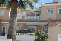 Well-presented townhouse overlooking lovely community pool in Doña Pepa (21)