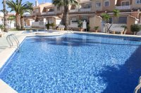 Well-presented townhouse overlooking lovely community pool in Doña Pepa (17)