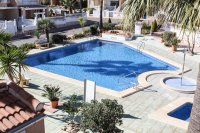 Well-presented townhouse overlooking lovely community pool in Doña Pepa (19)