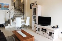 Well-presented, Fortuna model townhouse with communal pool in Doña Pepa (3)