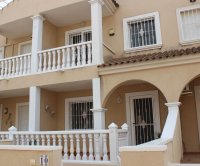 Very spacious townhouse with garage, easy walking distance to amenities (23)