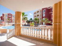 2 bedroom apartments with communal pool  (5)