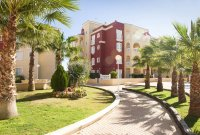 2 bedroom apartments with communal pool  (12)