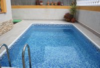 Very well presented, south facing semi, private pool, close to amenities (23)