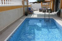 Very well presented, south facing semi, private pool, close to amenities (1)
