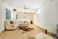 Completely reformed, stylish, luxury villa with separate accommodation (15)