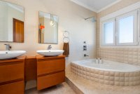 Completely reformed, stylish, luxury villa with separate accommodation (12)