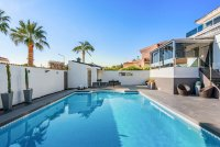 Completely reformed, stylish, luxury villa with separate accommodation (29)