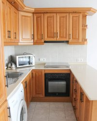 Well maintained ground floor apartment  with large communal pool, (7)