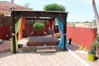 Impressive villa on a corner plot with hot tub and large garden (4)