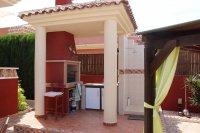 Impressive villa on a corner plot with hot tub and large garden (8)